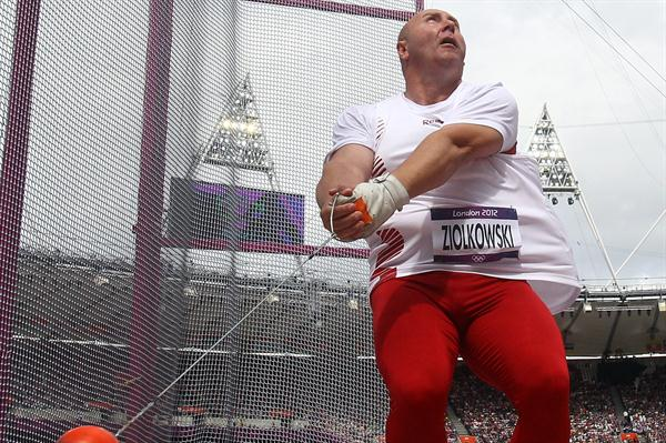 Szymon Ziolkowski of Poland competes during the Men's Hammer Throw qualification on Day 7 of the London 2012 Olympic Games at Olympic Stadium on August 3, 2012 (Getty Images)