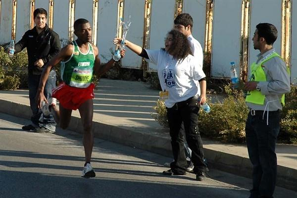 Alemayehu Shumye of Ethiopia on the way to winning the 2008 BLOM Beirut Marathon (LOC)