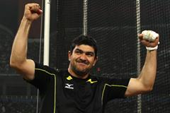 Dilshod Nazarov of Tajikistan celebrates his win in the hammer (Getty Images)