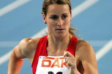 Melanie Seeger en route to a 2 minute victory in the 3000m Race Walk at the German indoor championships (Bongarts)