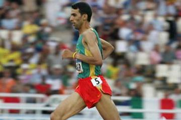 Hicham El Guerrouj advances to the 1500m semi finals (Getty Images)