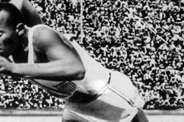 Jesse Owens on the way to his 200m title at the 1936 Olympics in Berlin (Getty Images)
