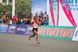 Mare Dibaba en route to winning the 2013 Xiamen International Marathon (Organisers)