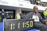 Plenty of reason to smile - Sammy Kosgei with his 25Km World record time in Berlin (Victah Sailer/photorun.net)