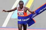 Geoffrey Mutai successfully defends his New York City Marathon title (Getty Images)