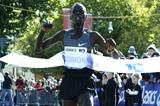 Leonard Komon taking another Berlin 10-K victory (BERLIN RUNS / Jürgen Engler)