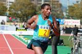 Bazu Worku winning at the 2014 Lake Biwa Marathon (Victah Sailor / organisers)